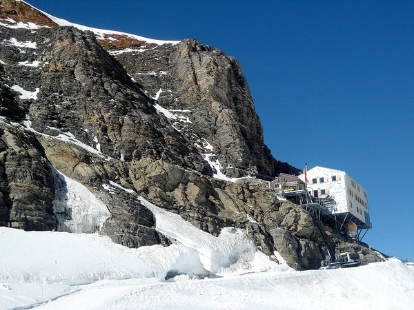 The Mönchsjoch Hut