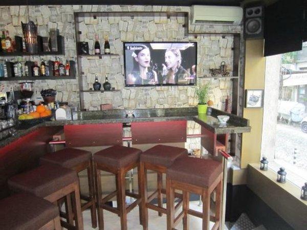 Street Bar & Co