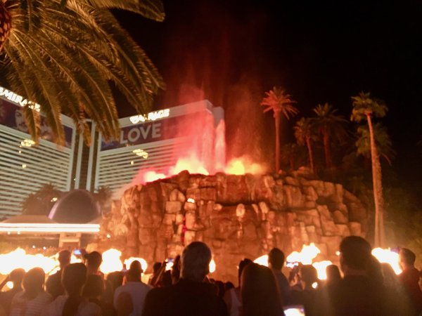 The volcano show in front of the Mirage