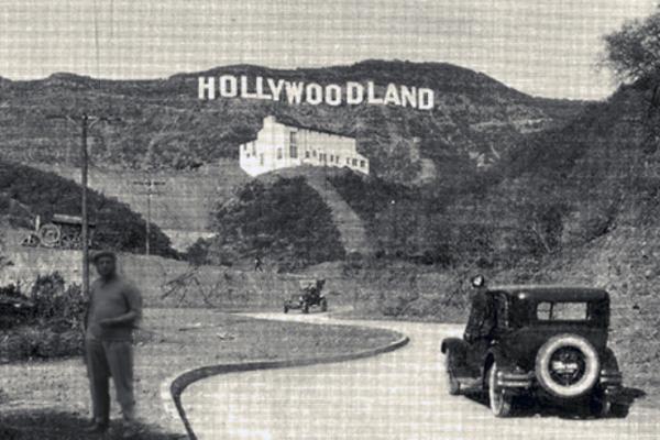 Hollywoodland Sign - Wikicommons