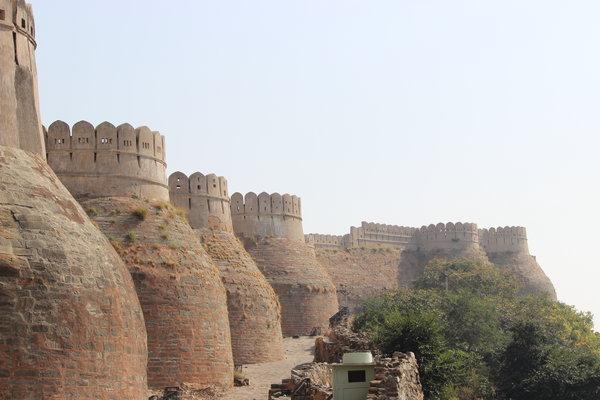 The imposing walls and fortifications of Kumbhalgarh Fort. India. (Photo Credit: Rakesh Nagda)
